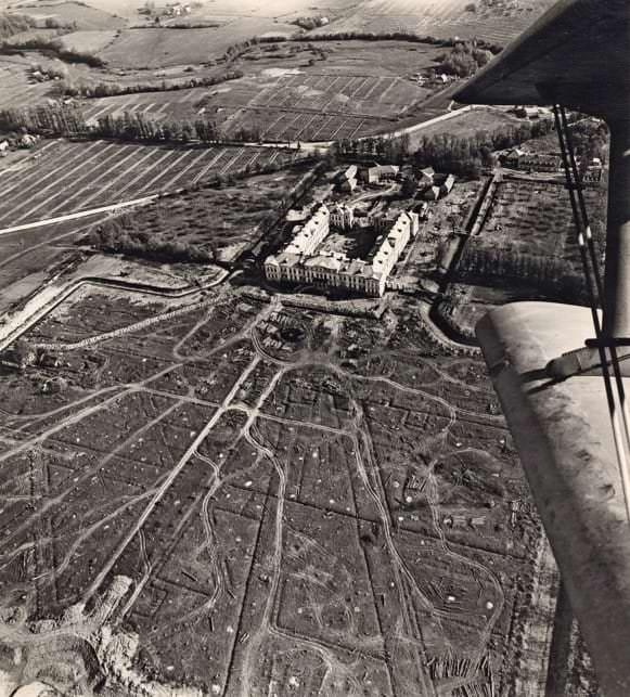Regulārais parks pēc izciršanas. Aerofoto, 1978