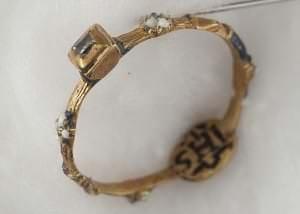 """Kurzemes hercoga Vilhelma un Pr''usijas princeses Sofijas saderināšanās gredzens ar iniciāļiem """"WS"""". 1609"""