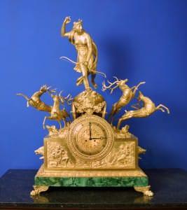 Kamīna pulkstenis. Krievija, Pēterburga. Bronzas meistars Andrejs Šreibers. 1829.g.