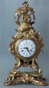 Pulkstenis, bronza. Francija, Parīze, pulksteņmeistars Žiljēns Leruā. 18. gs. 3. cet.