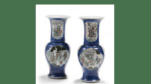 """Vāzes, pāris, Bleu poudré ar """"Zaļā ģimenes"""" gleznojumu rezervēs, Ķīna, 18.gs. 2. puse"""