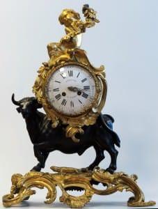 Pulkstenis ar vērša un dziedoša eņģeļa figūrām. Meistars Žans Andrē Lepots. Francija, Parīze, 18.gs.