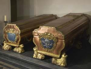 Саркофаги герцога Эрнста Иоганна и герцогини Бенигны-Готтлиб