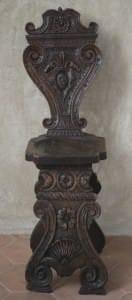 Krēsls sgabello. Itālija, 16. gs. (apakšdaļa) un 19. gs. (atzveltne)