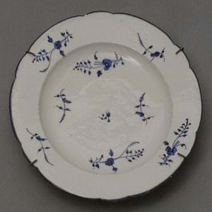 Šķīvis. Francija, Šantijī. 18. gs. 2. puse