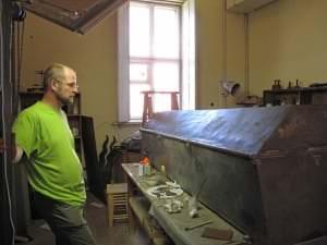 Kurzemes hercogienes Annas sarkofāgu restaurē Jānis Līdaka