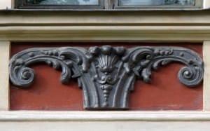 Die gusseisernen Fassadenverzierungen
