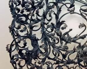 Kāpņu margu kaluma fragments no Zlēku muižas kungu mājas. Kurzeme, 18. gs. sāk.