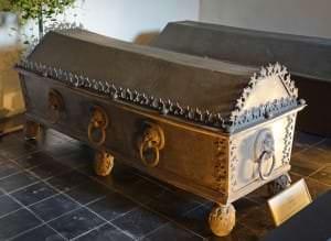 Hercogienes Annas sarkofāgs