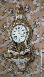 Sienas pulkstenis ar konsoli, Francija, 18.gs.3.cet.